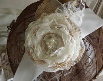Burlap Bridal Sash, Burlap Flower Belt, Bridal Accessory, Burlap Bridal Sash, Rustic Bridal Sash, Burlap Wedding Sash, burlap accessory