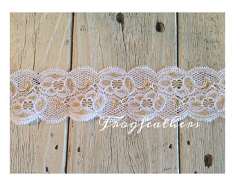 New-GOLD Metallic on WHITE Stretch Lace no. 789  -1 3/4 inch -5 yards for 9.40