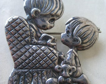 Girl Boy Chair Sterling Brooch Children Silver Vintage Pin 925 PMI Mexico