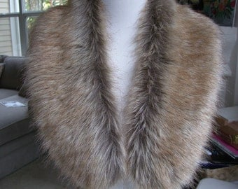 Faux Fur COLLAR,  Women's Fur Neckwarmer, Tip Dyed Fox Fur Collar, Fox Faux Fur Collar