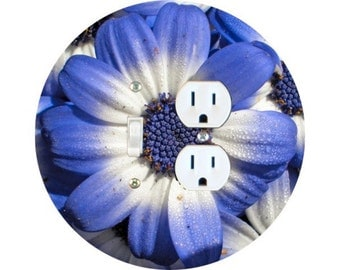 Blue Daisy Flower Toggle Switch and Duplex Outlet Double Plate Cover