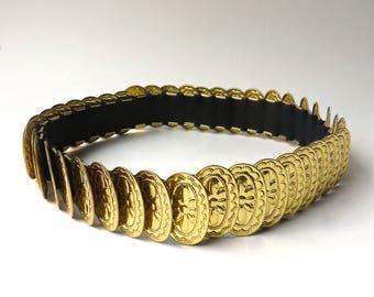 vintage Gold Metal Concho Elasticized Belt / Gold Metal Concho Fish Scale Elasticized Cinch Belt / Boho Gypsy Festivals Southwestern Hippie