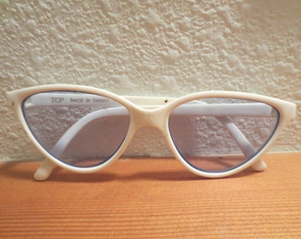 Vintage Childs Cat Eye Sunglasses Made in Taiwan White Frames / Light Blue Lenses