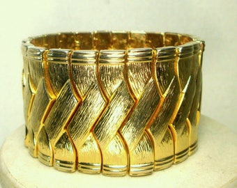 RESERVED SUE, Bracelet, Dynamic Gold Metal Stretch,  SMALL Size,  Wide Classy Cuff,  Speidel Style, Unusual S-t-r-e-t-c-h-band 1960s