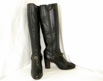 Sz 7.5 Vintage Tall Black leather 1970s Women Stack heel zip up riding boots with harness.