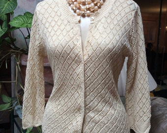 Vintage beige pointelle look cardigan sweater, nubby crochet look golden beige cardigan sweater sz Small, open weave rayon nylon size Small