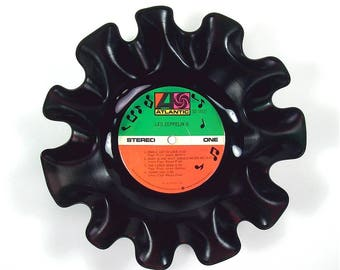 Led Zeppelin Vinyl Record Bowl Vintage LP Album Rare 1969 (Led Zeppelin II) Red and Green Label