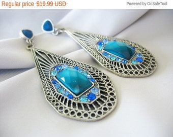 Holiday Sale Rhinestone Drop Dangle Earrings Blue Turquoise Silver Silvertone Faceted Ombre Faux Stone 1990s