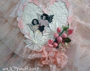 Valentine ornament - pretty pink angels heart - NO023