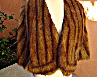 1940s Chestnut Striped Mink Capelet Stole with Pockets by KOMISS Chicago
