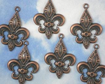 BuLK 30 Elegant Fleur de Lis Charms Pendants Antiqued Copper tone 33mm NOLA (P1992 -30)