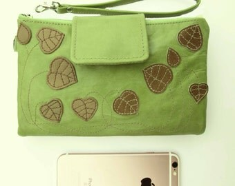 Women iPhone 7 plus Wallet, handmade light green leather wristlet, ladies wallet, phone clutch, travel wallet, leather bag, vintage leather