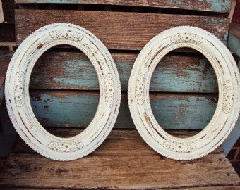 Vintage Shabby Chic Wood and gesso Frame Set Oval Ornate Scatter Frames  Antique White French Country Farmhouse distressed Collage of Frames