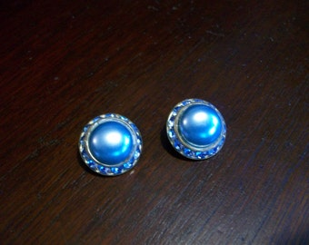 Lovely blue pearl-like and rhinestone blue clip on earrings
