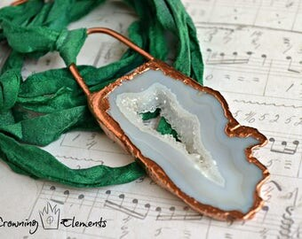 Emerald Crystal Lagoon Necklace