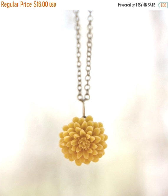 FINAL CLEARANCE Mustard Yellow Chrysanthemum Flower Necklace // Bridesmaid Gifts // Bridesmaid Necklace