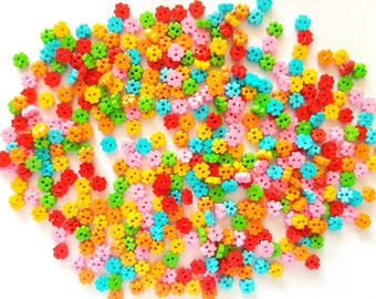 200 pcs Tiny Clover Button 4 mm Mix Red Blue Orange Baby Pink Green color