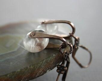 Swinging dangle earrings with disc shaped rose quartz  stones - Gemstone earrings - Rose quartz pink earrings - Copper earrings - ER041