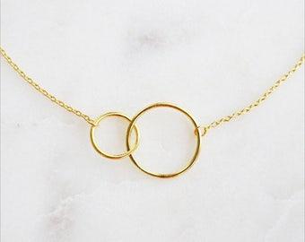 Interlocking Circle Necklace Gold