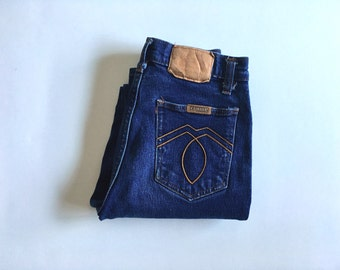 Vintage Women's 80's Kaimara Jeans, High Waisted, Dark Wash, Tapered Leg, Denim (XXS)