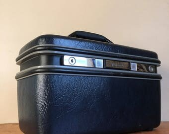 Vintage Ink Blue Samsonite Train Case.
