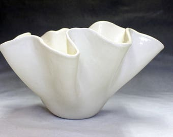 Porcelain free style ceramic bowl, flower shaped bowl with bright crystal clear transparent glaze