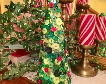 Button CHRISTMAS TREE ~ Christmas Gift ~ Christmas Decor  ~ Housewarming Gift - Gift for Her - Gift for Woman - Button Art