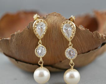 Pearl Wedding Earrings Crystal Pearl Bridal Earrings White Round Swarovski Pearl Earrings Gold CZ Post Earrings  Ivory Pink Champagne