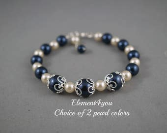 Bridesmaid bracelet, Wedding jewelry, Swarovski pearls, Silver ivory navy blue pearl bracelet, Bridal party gift, Maid of honor gift