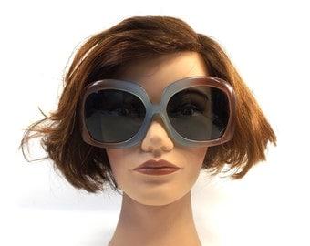 vintage 60s 70s huge sunglasses square translucent pale blue brown gray bugeye lens plastic sun glasses eyewear fashion retro mod women 78
