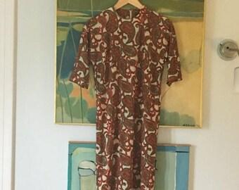 SALE vintage. 60s Nylon Paisley Print Dress • 1960s Dress • Sheath Dress • Retro Dress • Medium to Large Dress