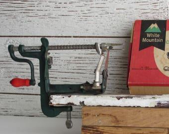 vintage  -Apple Peeler - Original Box