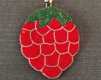 Vintage 1950s 60s Beaded Berry Coin Purse Novelty Strawberry