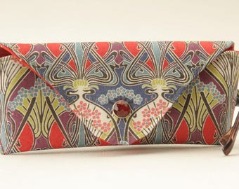 NEW Glasses case/ Eyeglass case/ sunglasses case/ reading glasses case/Liberty fabric/Ianthe print/Art nouveau