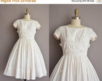 25% off SHOP SALE... 50s white cotton full skirt vintage dress / vintage 1950s dress