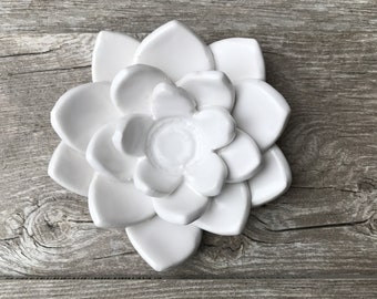 Porcelain Lotus Flower Cone Incense Holder For Housewarming Paperweight Wedding Gift House Decorations Lake Effect White