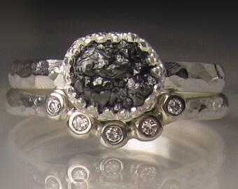 Raw Diamond Engagement Set, Black Raw Diamond Ring, Hammered Rough Diamond Engagement Ring