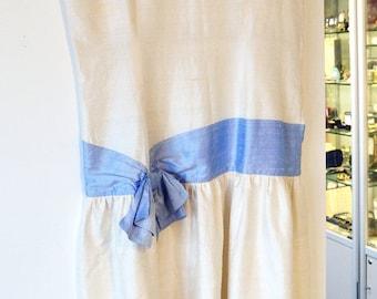 SALE 1920 silk dress/vintage ivory silk dress/vintage wedding/christening dress/large size 1920 dress/blue bow/raw silk/Art Deco gown