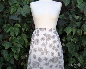 ON SALE Vintage 50s / White and Black / Floral / Lace / Ribbon / Slip / Skirt / SMALL