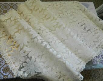 Vintage Doily Runner Home Decor Vintage Linens