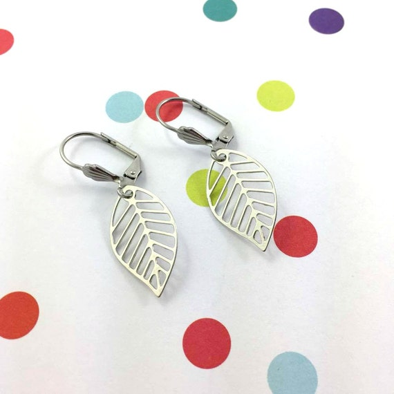 little light leaves, nature, silver metal earring charm on hypoallergenic stainless steal hook, les perles rares