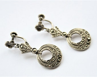 Vintage marcasite earrings. Screw back earrings.