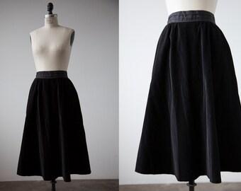 Vintage 50s High Waist Black Velvet Full Circle Midi Skirt XS-S