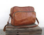 70s Rugged Distressed Tan Leather Satchel Briefcase Workbag Americana Camera Laptop Bag w/Shoulder Strap