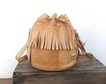 80 Fringe Drawstring Bucket Bag Tan Leather Slouchy Boho Bohemian Hippie Shoulder Purse