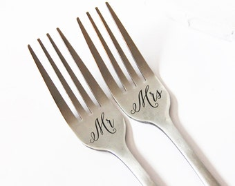 Mr and Mrs Fork Set, Personalized Fork, Engraved Wedding Forks, Personalized Wedding Silverware
