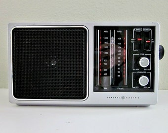 Vintage General Electric AM-FM Portable Radio Model 7-2857A, Plays on either attached AC cord, or 6  Size 'C' batteries  - Collectible