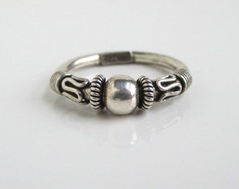 925 Sterling Silver Band Ring - Textured Front, Vintage Size 5