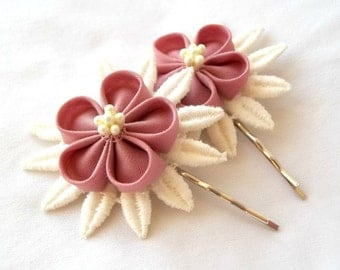 Cute Pink Flower Bobby Pins with Vintage Ivory Lace Tsumami Kanzashi