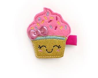 Cute cupcake Felt hair clip / felt hairclip / baby girl hairclip / girl hair clip / barrette...
